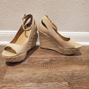 Report Natural Sandals